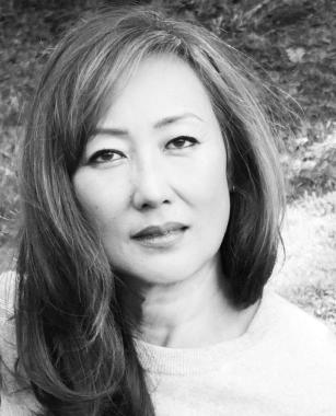 Sue Ten Voice Over Talent Contact Image